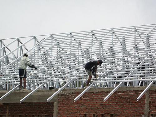 pemborong atap baja ringan mojokerto murah